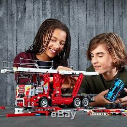 LEGO Technic 42098 Autotransporter 2-in-1 Modell Truck mit Show Cars